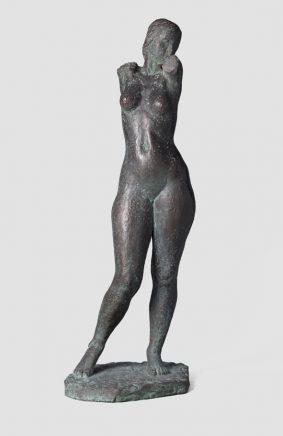 Stehender weiblicher Torso S., 1988, Bronze, H 81 cm