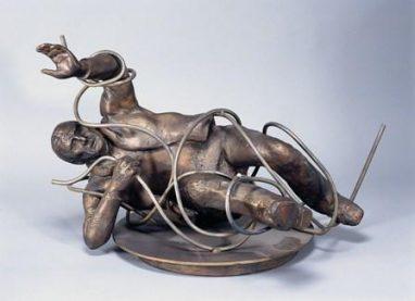 Verstrickt, 1979, Bronze, Eisendraht auf Eisenplatten, H 42,5, B 50, T 20 cm