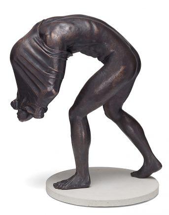 Joscha Bender, Undress II, 2016, Bronze, 72 x 45 x 49 cm, Aufl.: 6